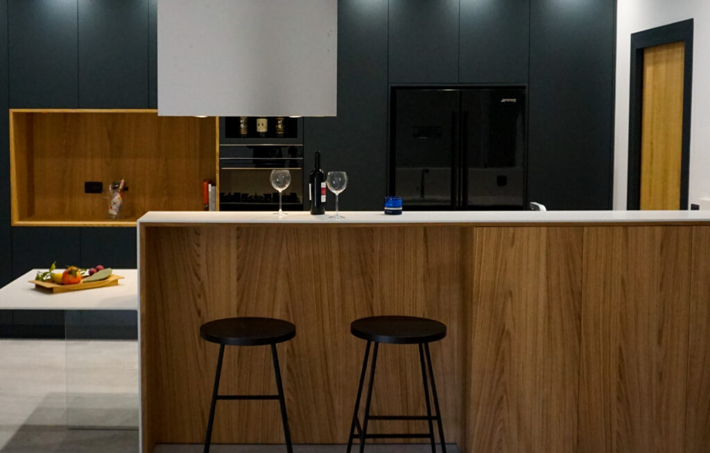SOHO cucina di design in rovere naturale made in Italy by Disegnopiù | Puglia