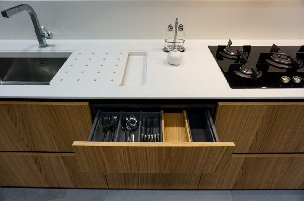 SOHO design kitchen oakwood finishing made in Italy by Disegnopiù | Puglia