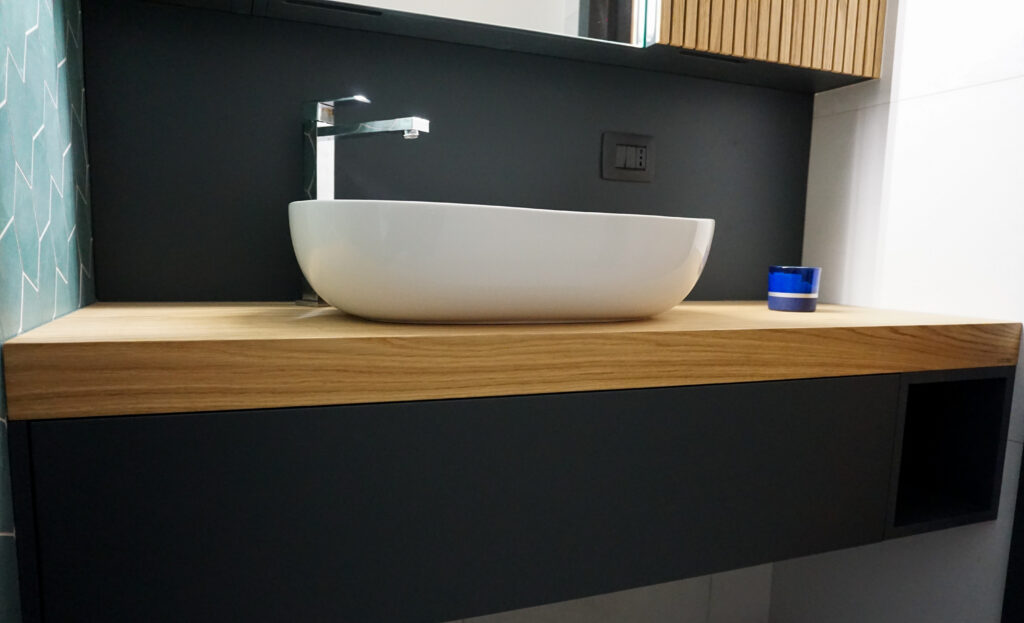 SOHO design bathroom made in Italy by Disegnopiu